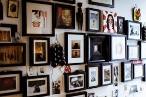 Bilder in der Wohnung von Cathy Bloom